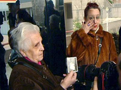 Remedios Toledano, de 78 años, ayer tras testificar al fiscal en la Audiencia Provincial de Madrid.-
