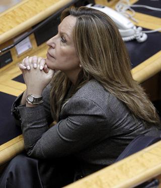 La ministra de Asuntos Exteriores, Trinidad Jiménez, durante una sesión de control al Gobierno en el Senado.