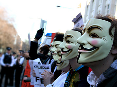 Activistas de 'Anonymous' en una