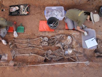 Los trabajos de exhumación en la fosa de Gumiel de Izán, en Burgos, han durado 6 días./ ÓSCAR RODRÍGUEZ