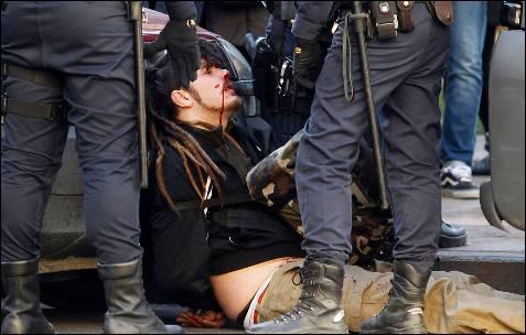 Otra perspectiva de uno de los jóvenes heridos.