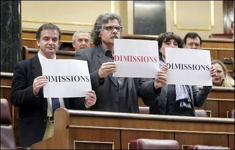 Varios diputados de ERC han pedido dimisiones durante la sesión plenaria celebrada esta mañana en el Congreso de los Diputados.