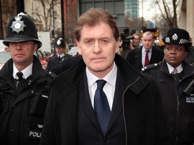 El Parlamento británico intenta reducir el consumo de alcohol después de una pelea protagonizada por Eric Joyce. AGENCIAS