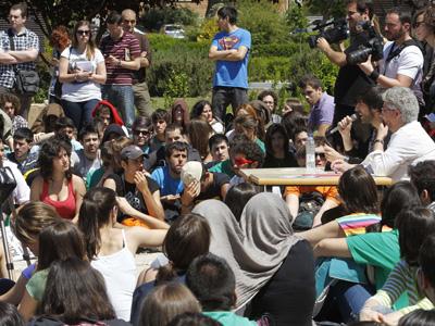 Asambela de estudiantes el campus Ciudad Universitaria de Madrid.