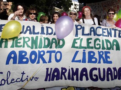 Manifestación feminista en La Laguna (Tenerife), en favor del aborto libre. (Foto de Archivo) DESIREE MARTÍN