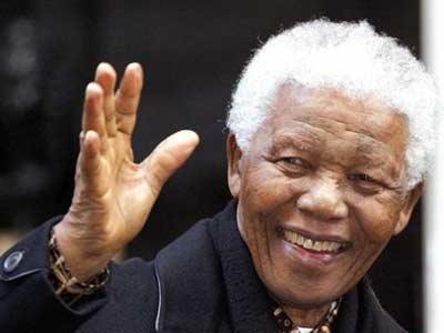 El expresidente sudafricano Nelson Mandela, en una imagen de archivo. EFE
