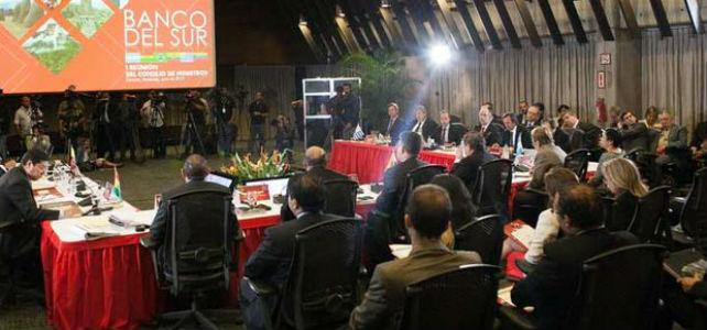 Primer Consejo de Ministros del Banco del Sur, el 12 de junio de 2013 en la sede del Banco Central de Venezuela en Caracas. -EFE