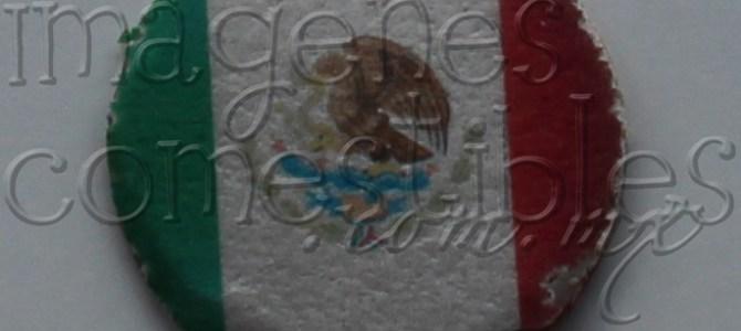 Obleas con cajeta e imagen comestible de la bandera Nacional