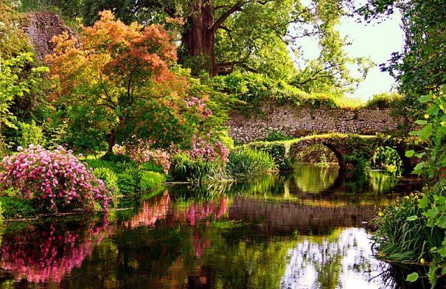 Ninfa, Italia los bellos jardines del mundo