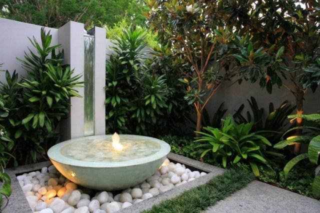 Fotos de jardines pequeños con rocas y fuentes de agua