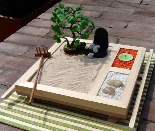 Imagen de un lindo jardin zen miniatura