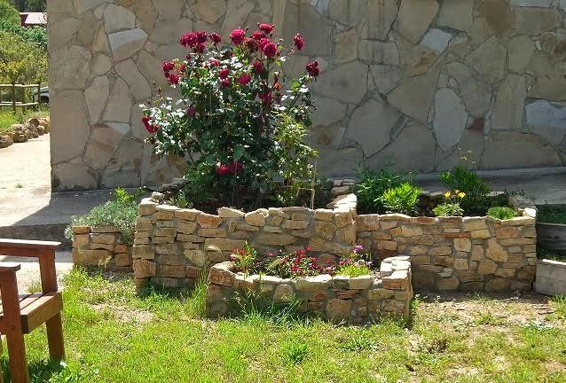 Imagenes de jardineras de piedra - Como hacer jardineras de piedra ...