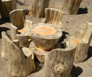 imagenes de sillas hechas con troncos para el jardin