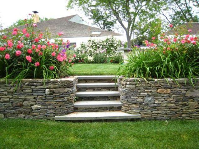 fotos de jardineras con piedras