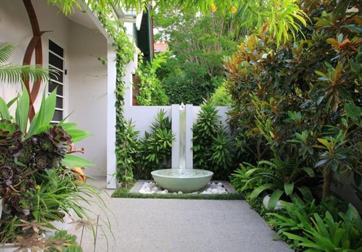 Jardines modernos minimalistas con piedras - Piedras decoracion jardin ...