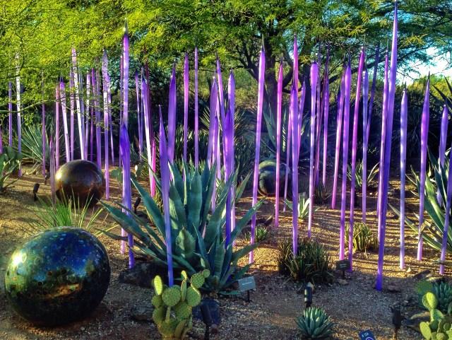 Imagenes esculturas en el jardin del desierto en Phoenix