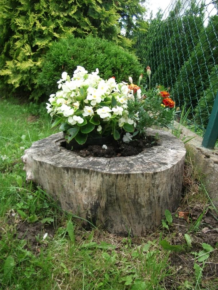 Troncos reciclados con plantas y flores - Jardines fotos ideas ...