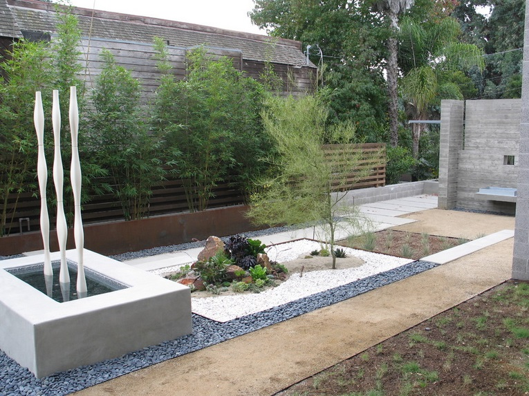 Jardines modernos minimalistas con piedras for Conjuntos de jardin modernos