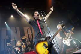 green_day_1_-_hollywood_ca_2004_-_lg-6486806