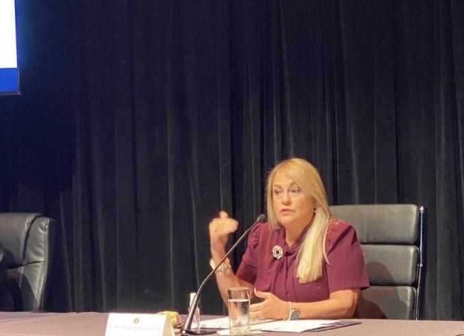 Gobernadora presentará ayuda económica para padres y estudiantes de educación virtual