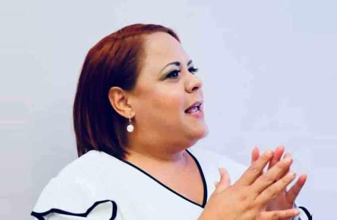 Critican a la alcadesa de Aguadilla por comprar neveras y estufas antes de las elecciones
