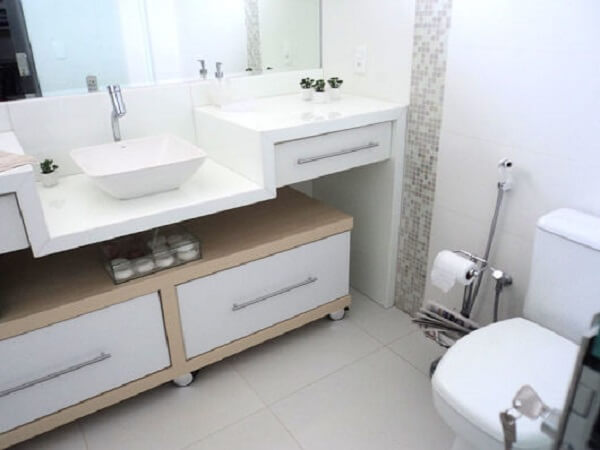 Piso para banheiro esmaltado claro