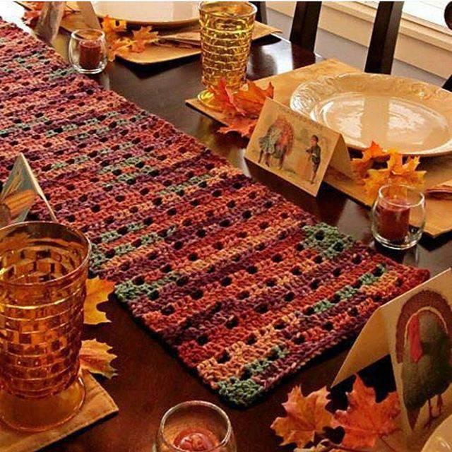caminho de mesa de croche outono