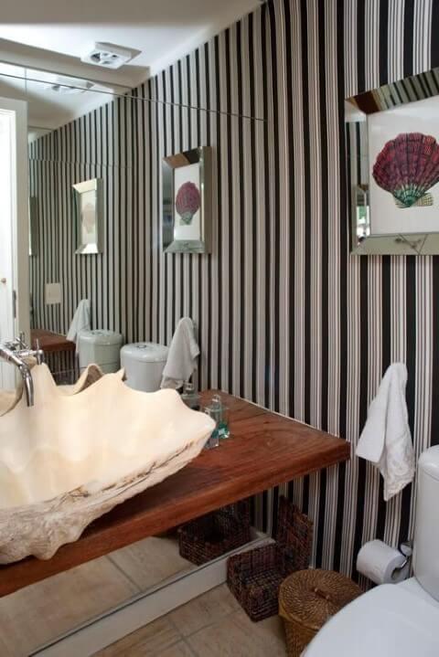 Banheiro de luxo com cuba de concha Projeto de Urbano Studio