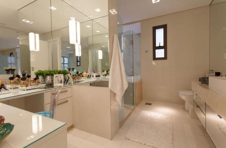 Banheiro de luxo espelhado Projeto de Meire Santos