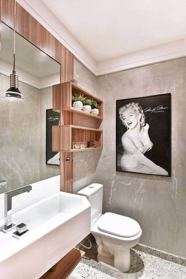 The inlaid wooden niches serve as a support for decorative bathroom objects