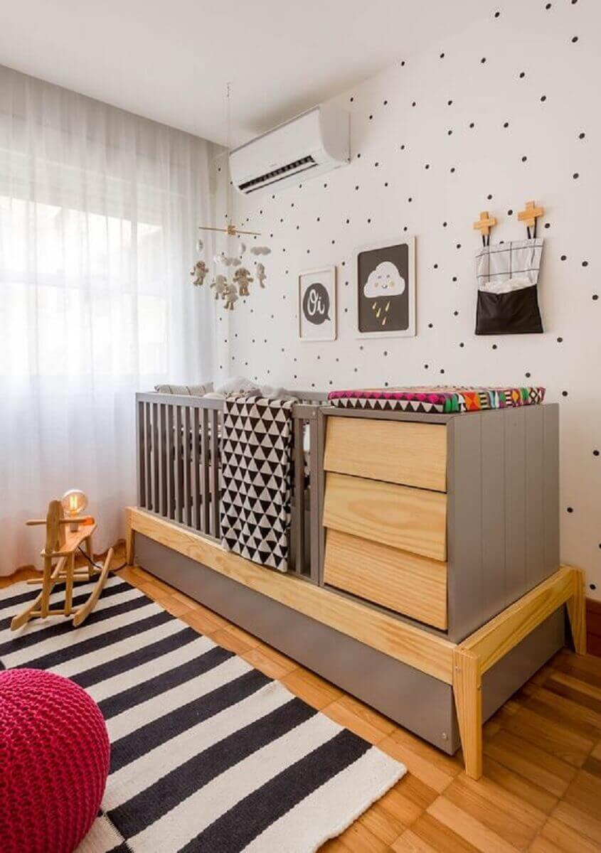 cot with changing table for small baby room Foto MOOUI