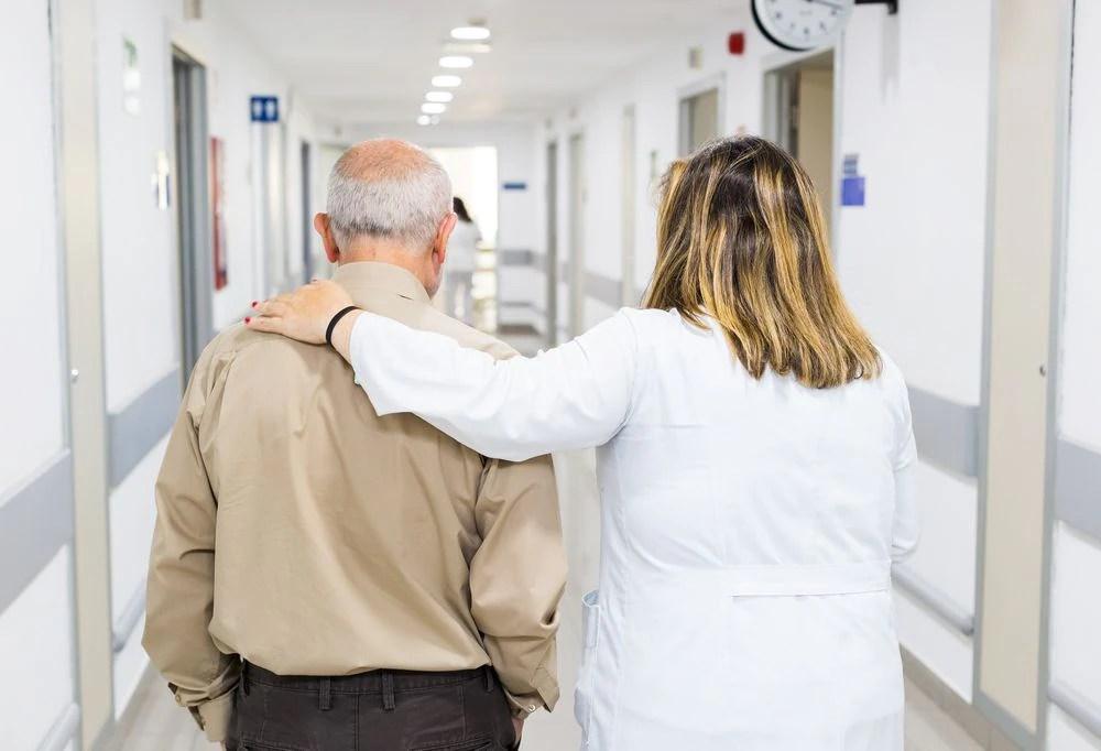 Crise do coronavírus provoca cancelamento em massa de exames e de cirurgias de doenças graves, como câncer