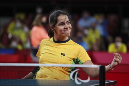 Atleta Cátia Oliveira na semifinal da classe 1-2 do tênis de mesa.