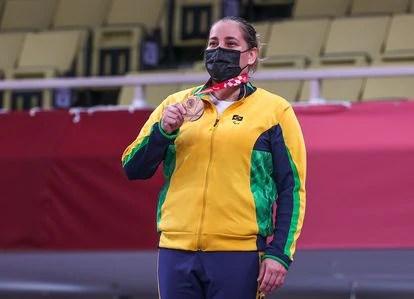 A judoca Meg Emmerich, medalha de bronze neste domingo na categoria acima de 70kg no judô.