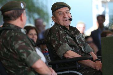 O Exército realiza a troca do Comando Militar do Planalto, quando o general de divisão Luiz Carlos Pereira Gomes faz a passagem do posto para o general de divisão Sérgio Da Costa Negraes. A cerimônia será presidida pelo Comandante do Exército,