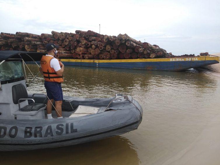 Operação Verde Brasil 2: Forças Armadas não param e apreendem comboios com madeira em plena noite de Natal