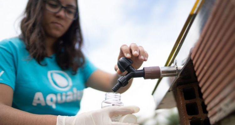 A ideia do projeto, chamado Aqualuz, surgiu quando Anna Luisa ainda cursava o ensino médio, e viu um cartaz do Prêmio Jovem Cientista do Conselho Nacional de Desenvolvimento Científico e Tecnológico (CNPq),