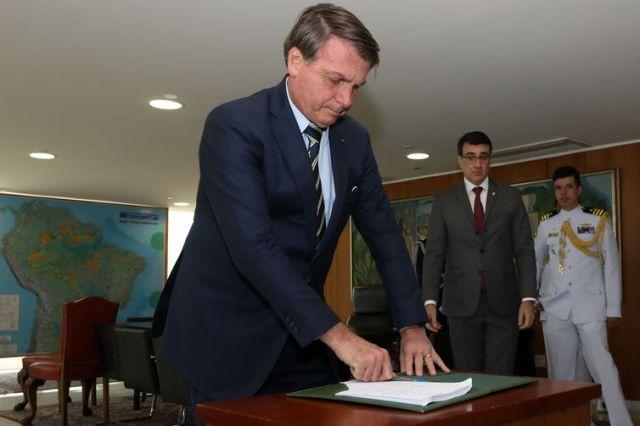 Presidente da República Jair Bolsonaro, durante assinatura do Decreto de Aprovação do X Plano Setorial para Recursos do Mar (PSRM) e Imposição da Medalha Mérito Tamandaré. Fotos: Marcos Corrêa/PR