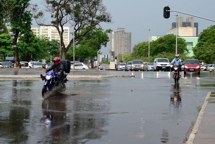Chuva é registrada em alguns pontos do DF
