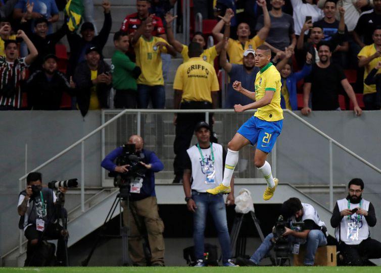 Richarlison comemora o primeiro gol do Brasil   REUTERS/Ueslei Marcelino