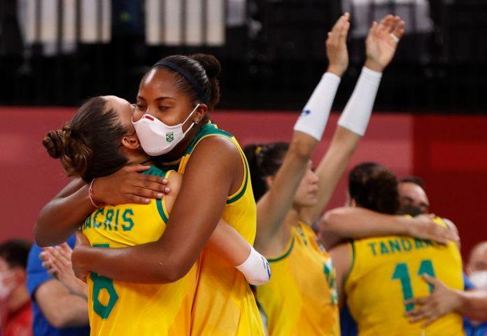 Brasil vence  Dominicanas