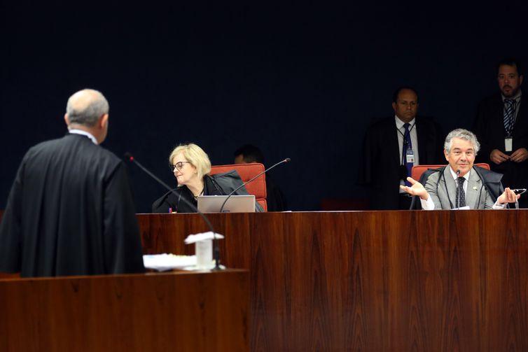 Brasília - Os ministro do STF, Rosa Weber e Marco Aurélio Mello durante reunião para julgar o inquérito  em que o senador Aécio Neves é acusado de corrupção passiva e obstrução de Justiça