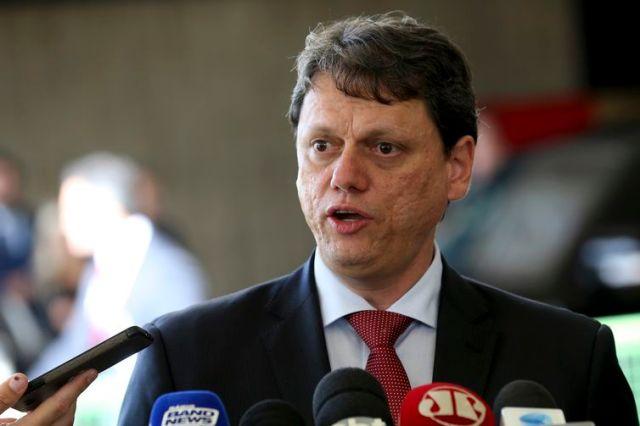 O novo ministro da Infraestrutura Tarcisio Gomes de Freitas, fala à imprensa, no CCBB.