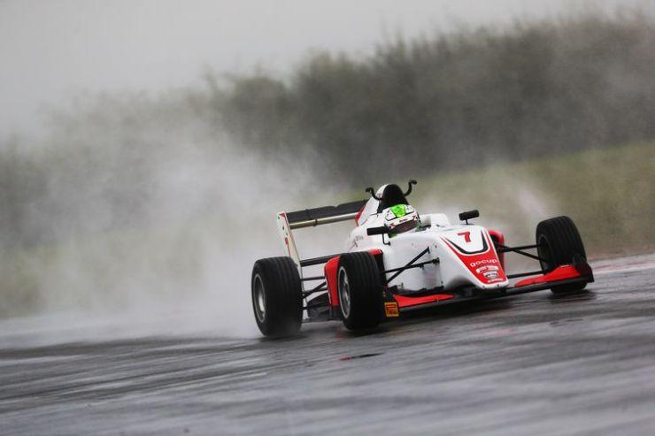 Roberto Faria - piloto - F3 Britânica - Fórmula 3