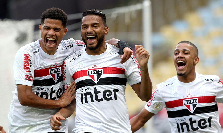 São Paulo goleia Flamengo no Maracanã   Agência Brasil