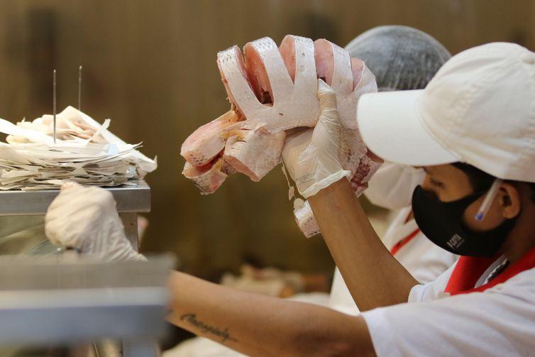 Comércio de peixes e pescados para a Semana Santa