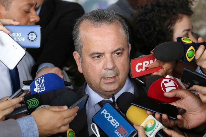 O secretário especial de Previdência e Trabalho, Rogério Marinho, fala à imprensa sobre a reforma da Previdência, após reunião com o presidente Jair Bolsonaro no Palácio da Alvorada.