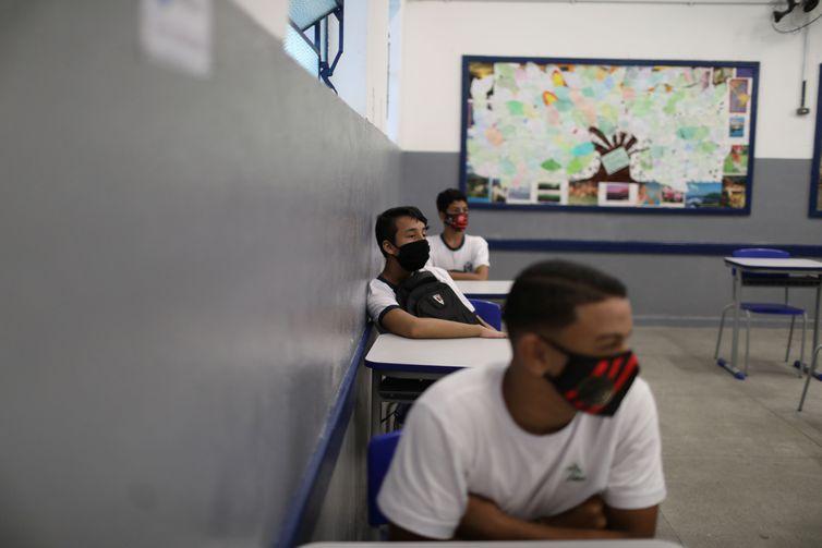 Escolas reabrem no Rio de Janeiro