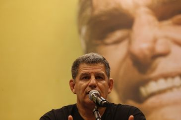 O presidente do PSL, Gustavo Bebianno, e integrantes do partido falam sobre a ida de Jair Bolsonaro ao segundo turno eleitoral, no hotel Windsor, Barra da Tijuca.