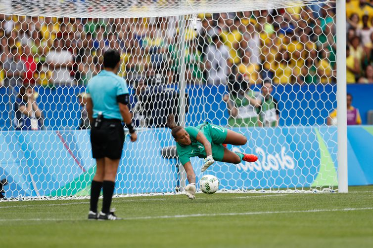Rio de Janeiro - Seleção brasileira de futebol feminino disputa semifinal com a Suécia, no Maracanã. O Brasil perde nos pênaltis e vai disputar o bronze (Fernando Frazão/Agência Brasil)